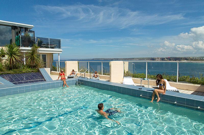 Atalantic Hotel feature