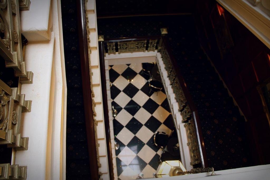 Stairs_SelfieorDeco