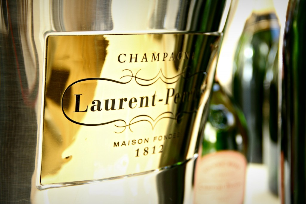 Champagne_Silks