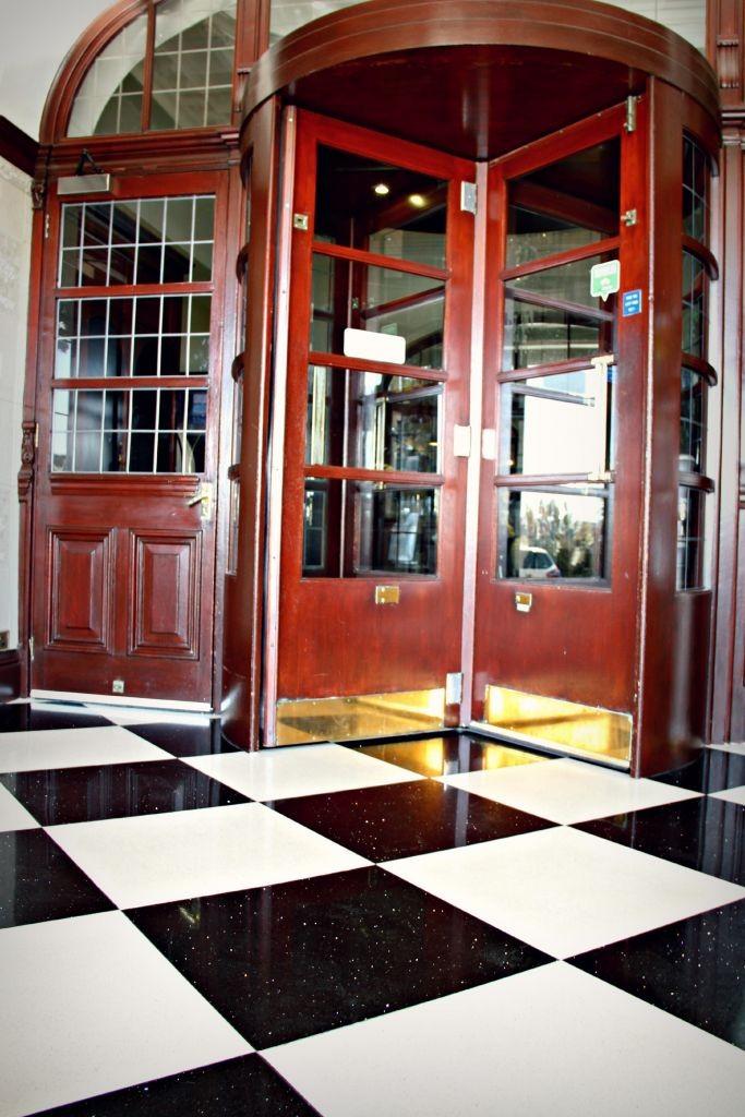 Entrance_Deco