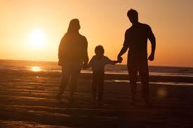family_beach_cornwall